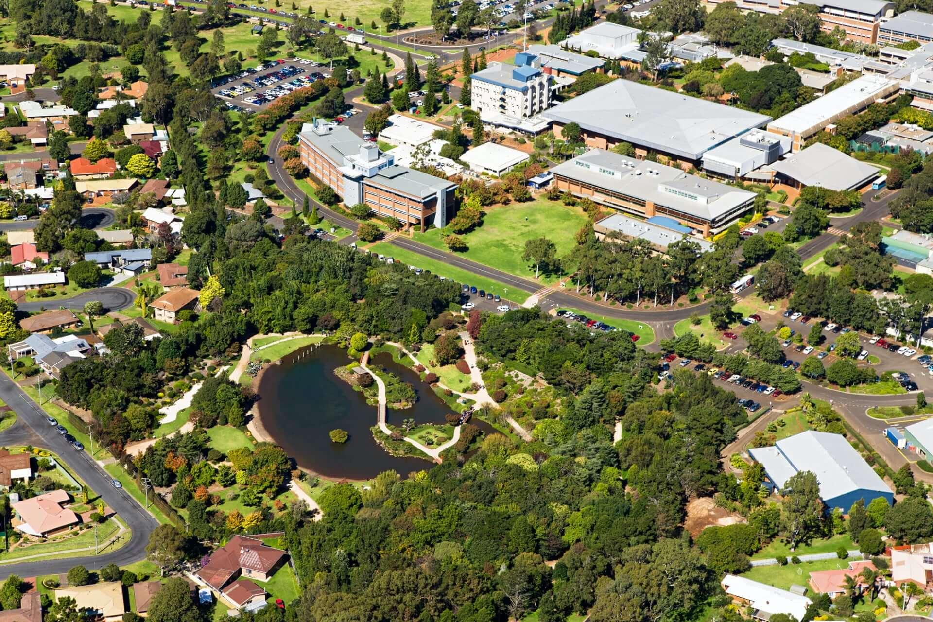 南昆士兰大学图文吧主校区